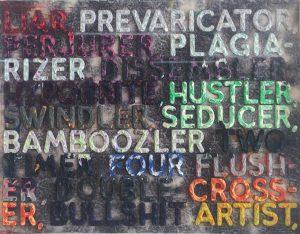 Verschiedenfarbige englische Wortkombinationen auf grauem Hintergrund