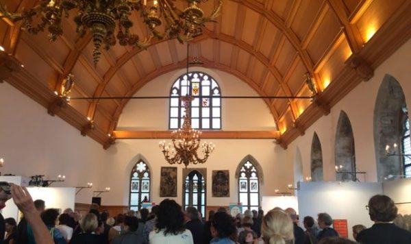 Impressionen Rathausart: Großer Saal mit Gästen