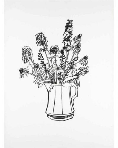 Schwarz-Weiß-Skizze einer Kanne mit Blumen darin.
