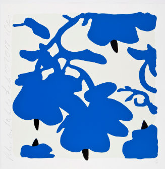 Blumenmuster blau-schwarz auf weißem Hintergrund