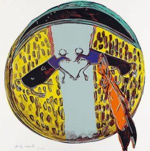 Buntes Indianerschild mit zwei blauen Büffeln und orangener Feder