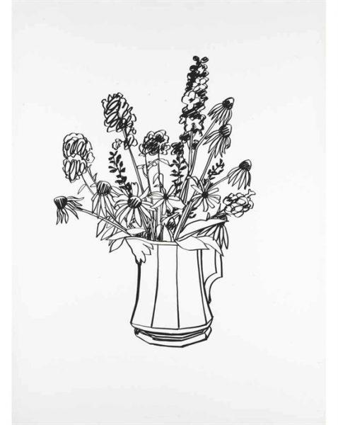 Schwarz-Weiß-Skizze einer Kanne mit Blumen.