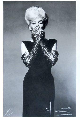 bert_stern_Marilyn_ Sequined Gloves_fotograf_photo_art_camera_print_pigmentprint_usa_marilynmonroe_kennedy_new_gallery_art_beautiful_pretty_moma_vogue_zeitschrift_artnet_artsy_brooklyn_newyork_thomasruff_alexkatz_munic_nuremberg